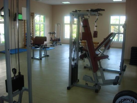 The gym weight room picture of melia las dunas cayo