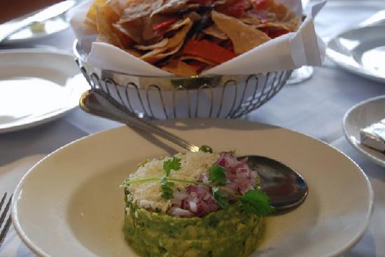 Las Brisas: Guacamole Appetizer