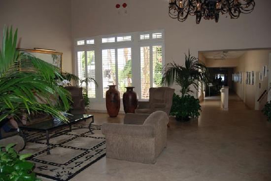 Hotel Laguna: Reception Area