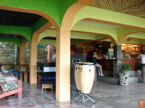 Iguana Lodge: A view of the Pearl, right before salsa dancing