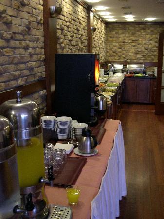 Hotel Mina: buffet petit dèj