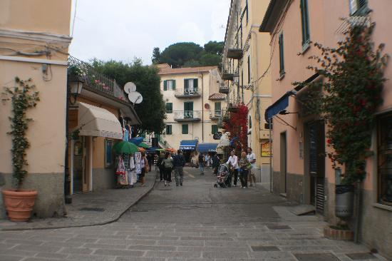 Porto Azzurro, Italy: vicolo1