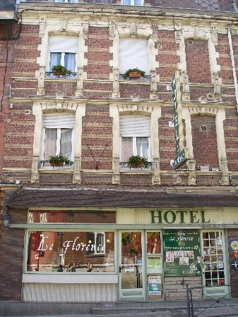 St-Quentin, Francia: Facade de l'hotel