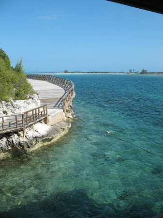 Bahamas: Rose Island walkway