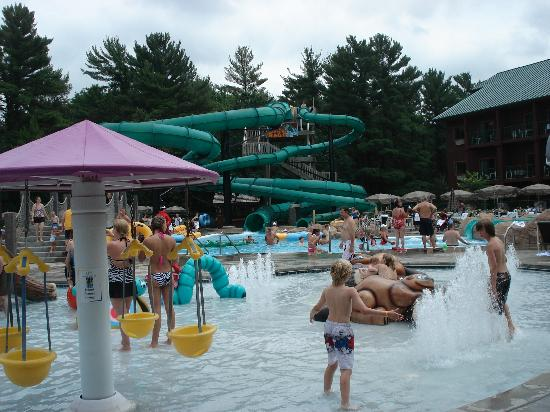 Glacier Canyon Lodge: Lake Wilderness Outdoor Water Park