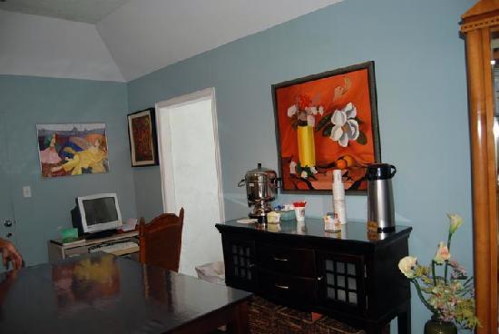 Laguna Beach Lodge: Breakfast Room and Reception Area