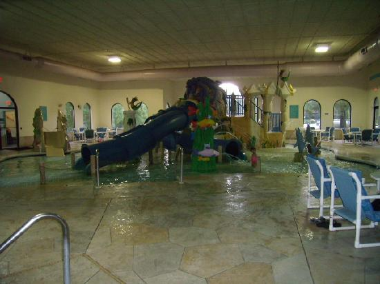 Atlantis Waterpark Hotel Suites Aqua Kingdom Area