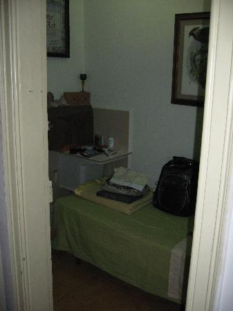 Barcelona Gay Bed & Breakfast: My room