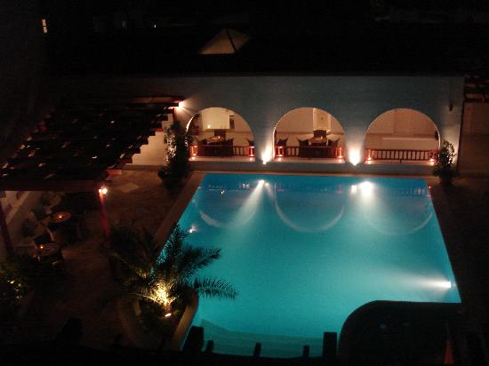 Stelia Mare Boutique Hotel: Pool at night from our room