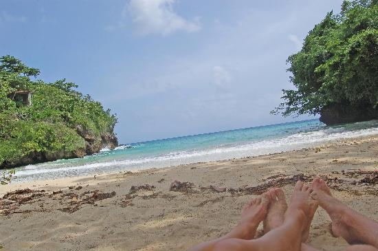 Frenchman's Cove: Our resting toes...