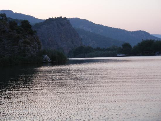 Mehtap Hotel Dalyan: Beautiful lake/ boat trip