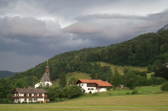 Hotel Gablerhof: view towards mountains