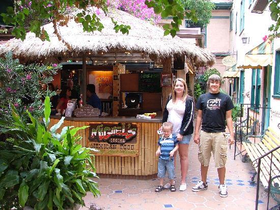 Miguel's Cocina: the entrance to Miguels