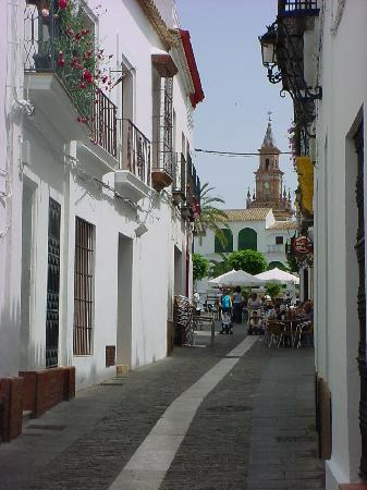 Испания: Sidewalk cafe in Carmona