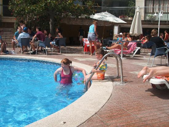 hotel esplai pool area