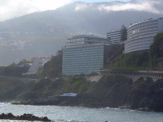 9faea5b957917 piscina agua del mar - Bilde av Hotel Best Semiramis i Puerto de la ...