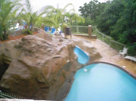 Area de la pisina parte mas honda picture of hotel cielo for Hotel cielo mar ofertas familiares