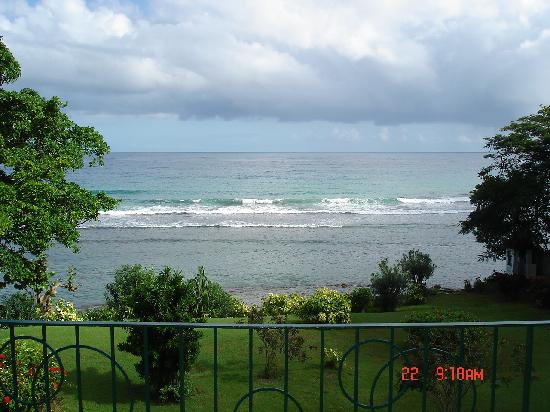 Carib-Ocho Rios: Ocean view from balcony of room 423