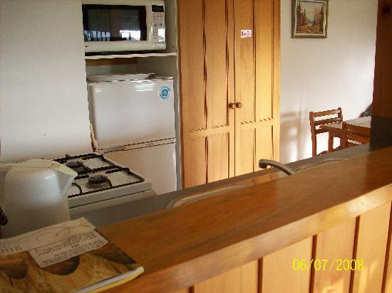Norfolk Holiday Apartments: Kitchen