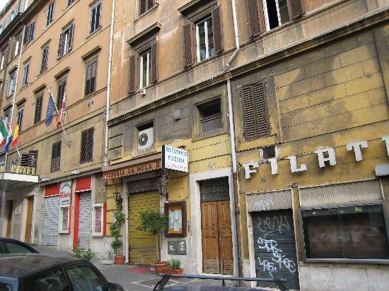 Bavaria Hostel B&B: Entrance