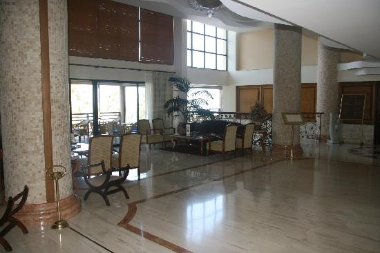 Atlantica Golden Beach Hotel : The Lobby