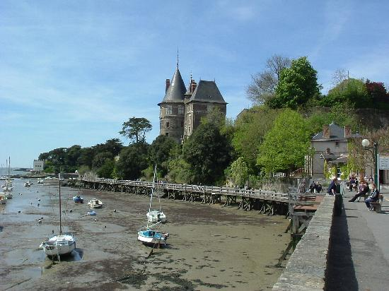 The port and castle picture of pornic loire atlantique - Chambre des notaires de loire atlantique ...