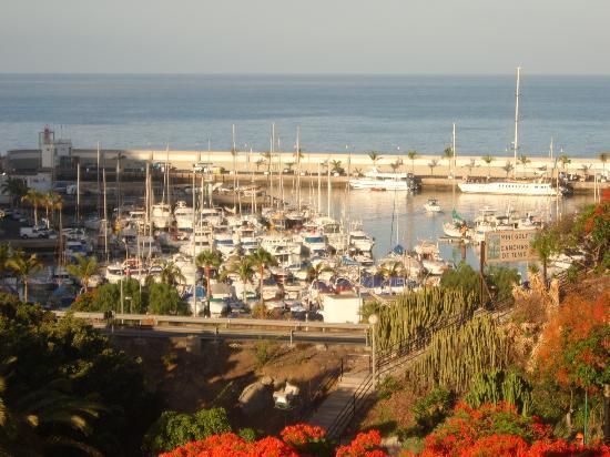 Porlamar Apartments: the view
