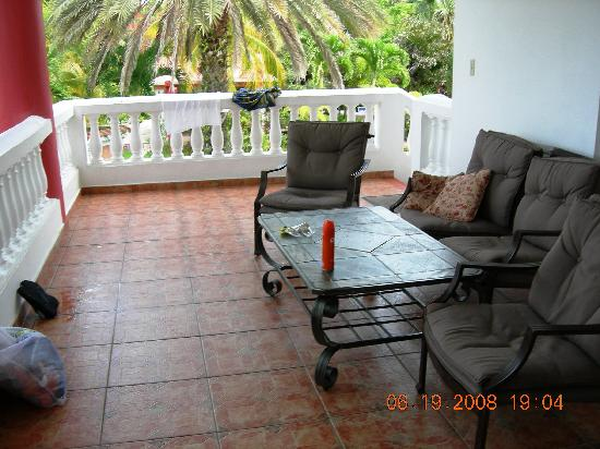 Villa Ensenada Inn: Our Porch