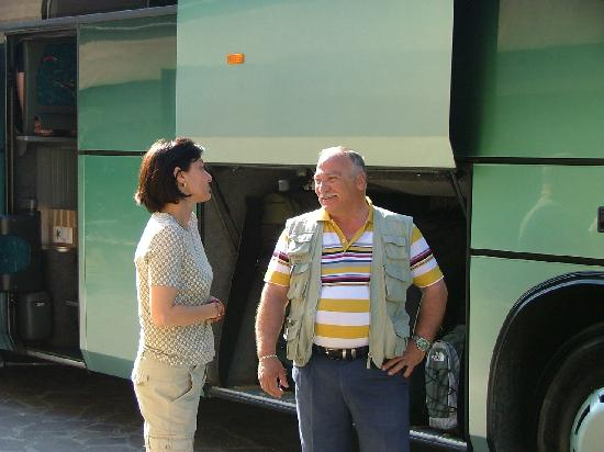Hotel Le Grazie: Manager with our wonderful bus driver