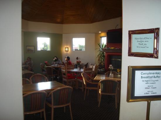 Brentwood Inn & Garden: Dining room