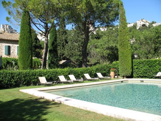 Taven Résidences : Relaxing pool