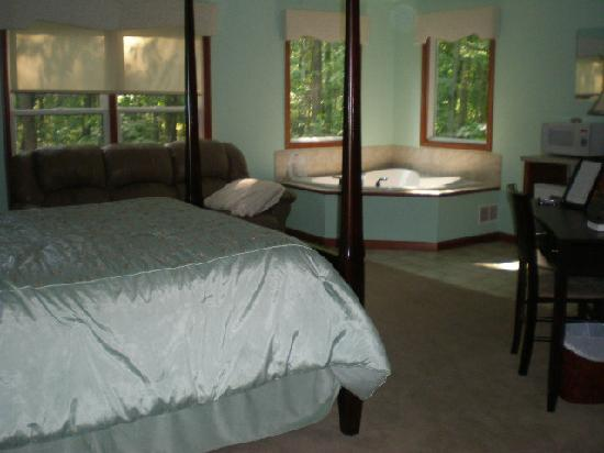 That Pretty Place Bed & Breakfast: one of the lovely & spacious rooms