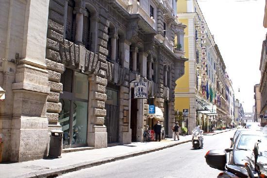 Le Petit Hotel Torino To
