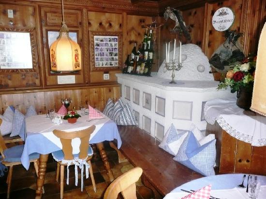 Alpensporthotel Neustifterhof: One of more hotel restaurants