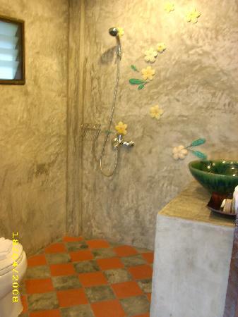 Secret Cliff Resort: Garden View Bathroom