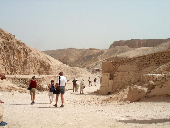 Tomb of Ramses III: Tourists in the Valley of the Kings