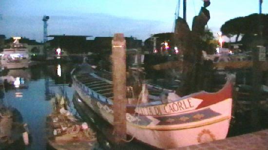 Caorle, Italy: barca caorlina