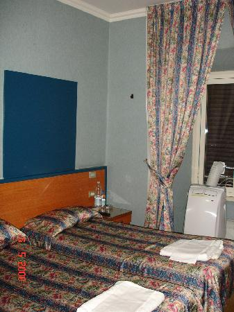 San Pietro Rooms Hotel: Room