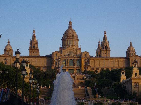 พิพิธภัณฑ์ศิลปะแห่งชาติคาตาลันยา: National Art Museum of Catalonia (Museu Nacional d`Art de Catalunya - MNAC)