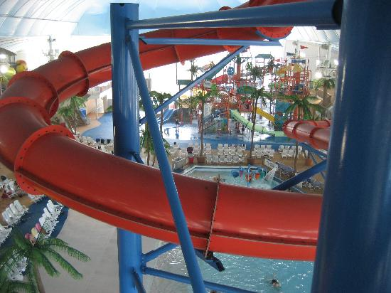 Skyline Hotel & Waterpark: Looking from the Tube Slides