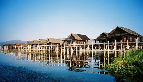 Floating Village On Onle Lake Picture Of Golden Island