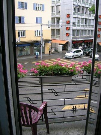 Sternen Oerlikon Hotel :                   Balcony