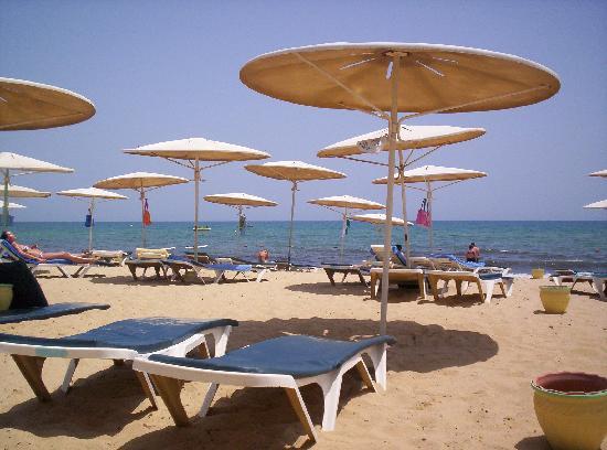 El Mouradi El Menzah: The beach