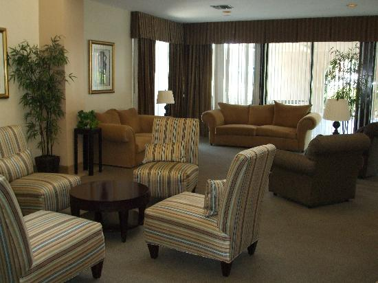 Valley Inn & Conference Center: Lobby view