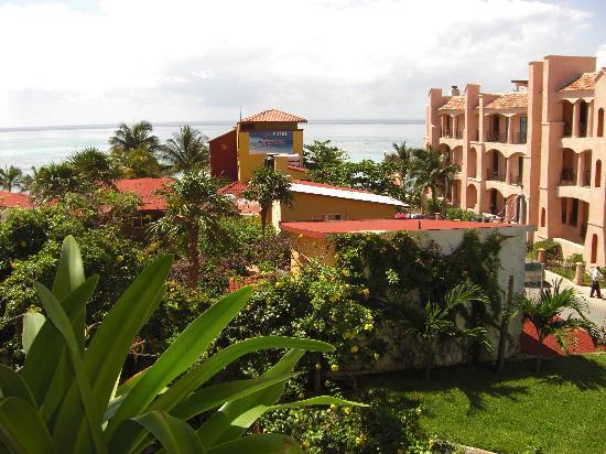 Hotel Labnah: Piscine vu du balcon