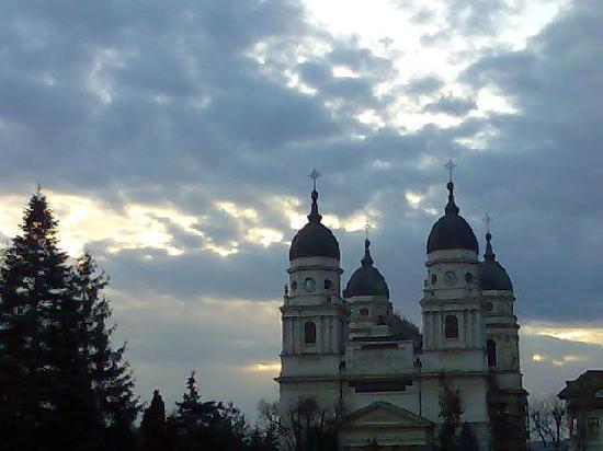 Metropolitan Cathedral: 2