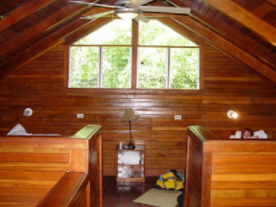 Corcovado Beach Lodge: loft upstairs, two twins