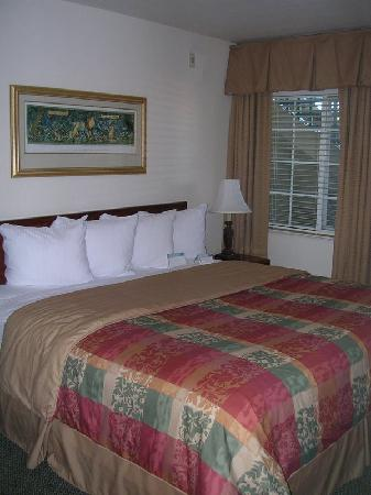 Staybridge Suites Dulles: Bedroom