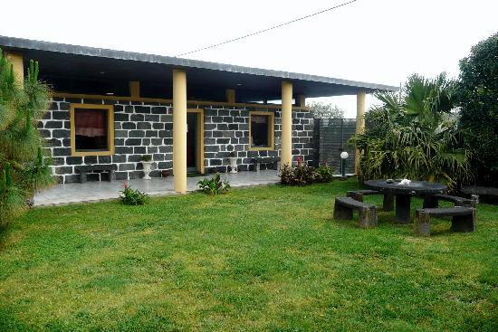 Quinta de Santana: Office and Pool Lounge