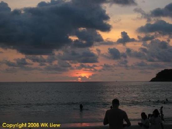 Nai Harn Beach: Sunset @ Kata Beach